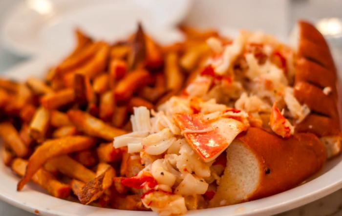 Neptune Oyster Hot Butter Maine Lobster Roll 5 Best Restaurants in Boston in 2018